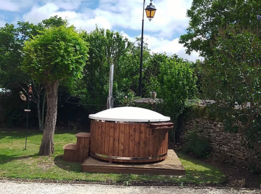 Burford Cotswold Eco Hot Tub